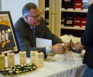 Book_Signing_12-1